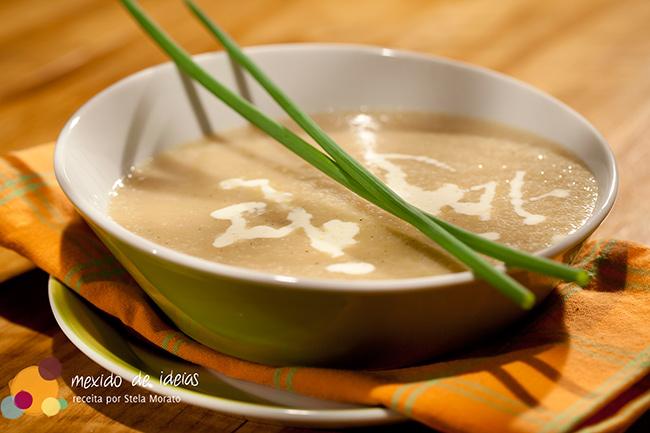 Sopa de alho com café