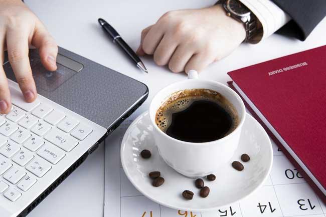 Cafeína pode deixar funcionários mais honestos