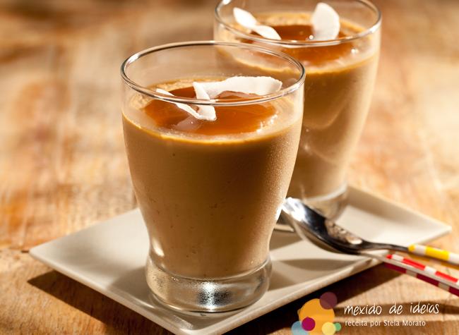 Panna cotta de café com leite e coco
