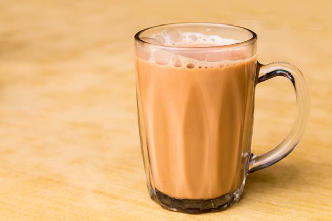 O chá com leite condensado da Malásia