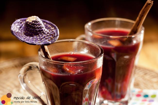 Quentão de vinho com chá de erva-doce