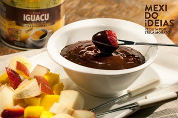 Fondue de chocolate e café solúvel