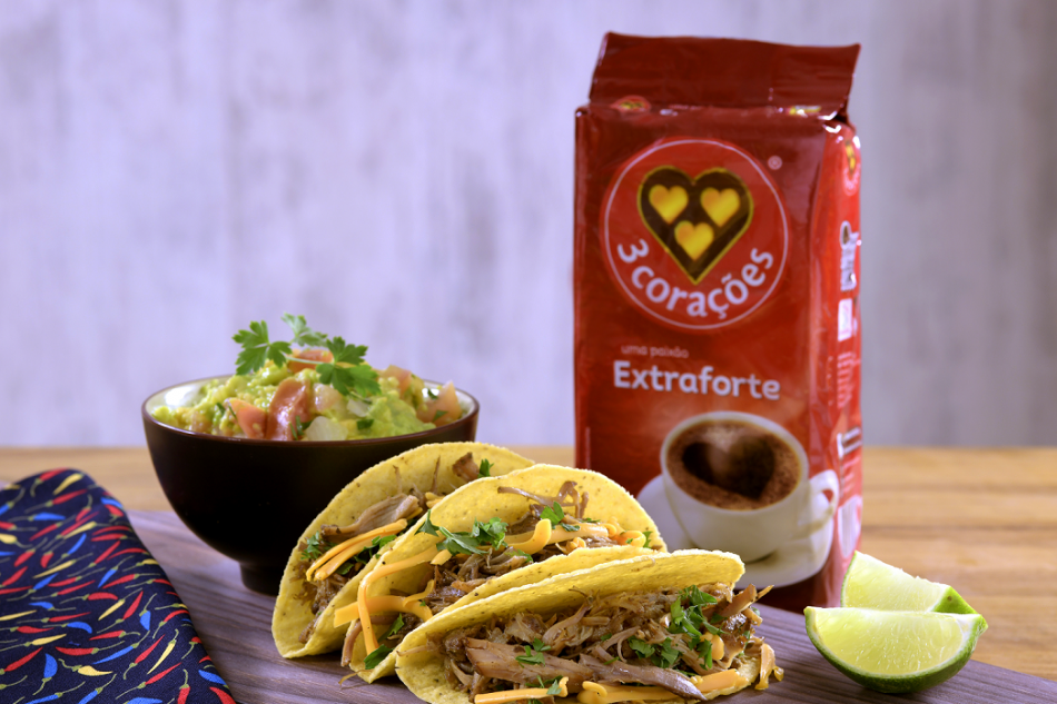 Tacos de Carne Suína com Café