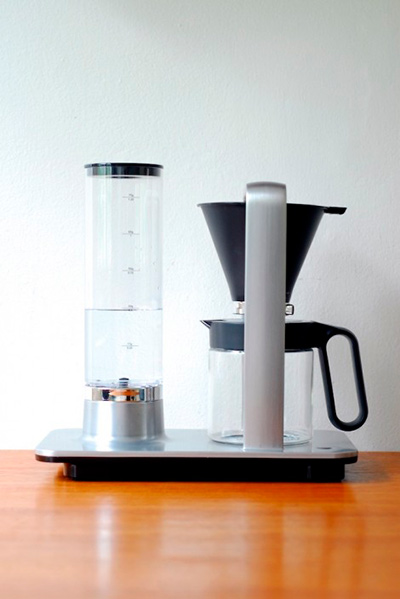 Presisjon A precisao de um barista na cafeteira eletrica   Presisjon: A precisão de um barista na cafeteira elétrica