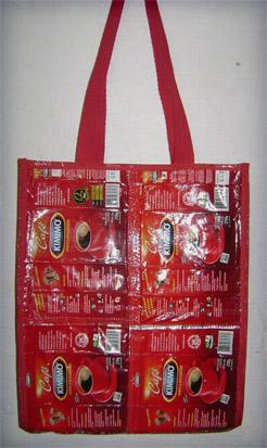 sacolaPOST   Bolsa feita com embalagem de café