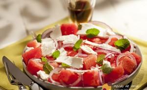 Salada-de-Melancia-com-molho-de-Pimpinela