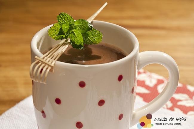 chocolate-quente-xarope-menta
