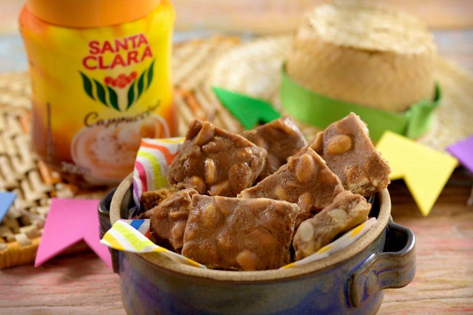 Pé de Moleque com Café Santa Clara